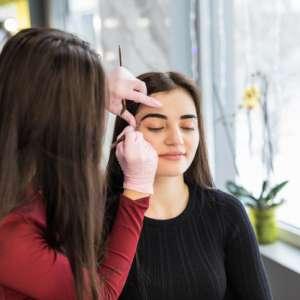 Como montar um estúdio de design de sobrancelhas