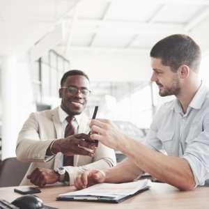 Como funciona a tributação para representante comercial?