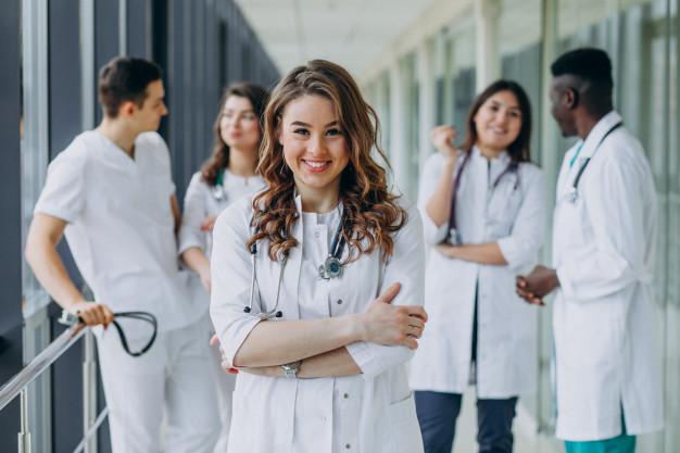 Aprenda a achar a melhor tributação para clínica médica